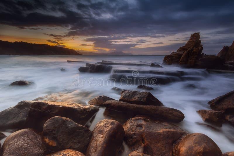 Spiaggia di Gorrondatxe nell'inverno a Getxo fotografia stock libera da diritti