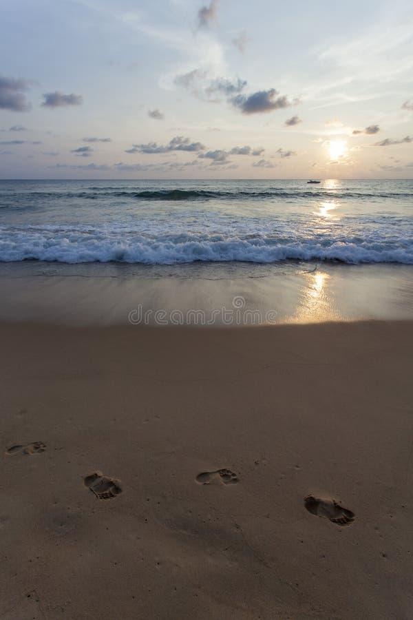 Spiaggia di Kata di tramonto immagini stock