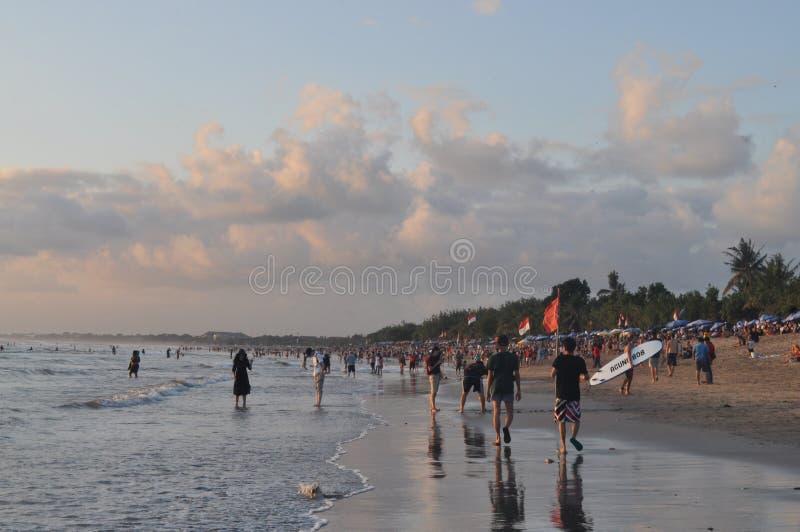 spiaggia di kuta immagini stock