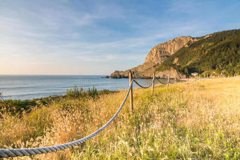 Spiaggia di Laga a paese basco immagine stock