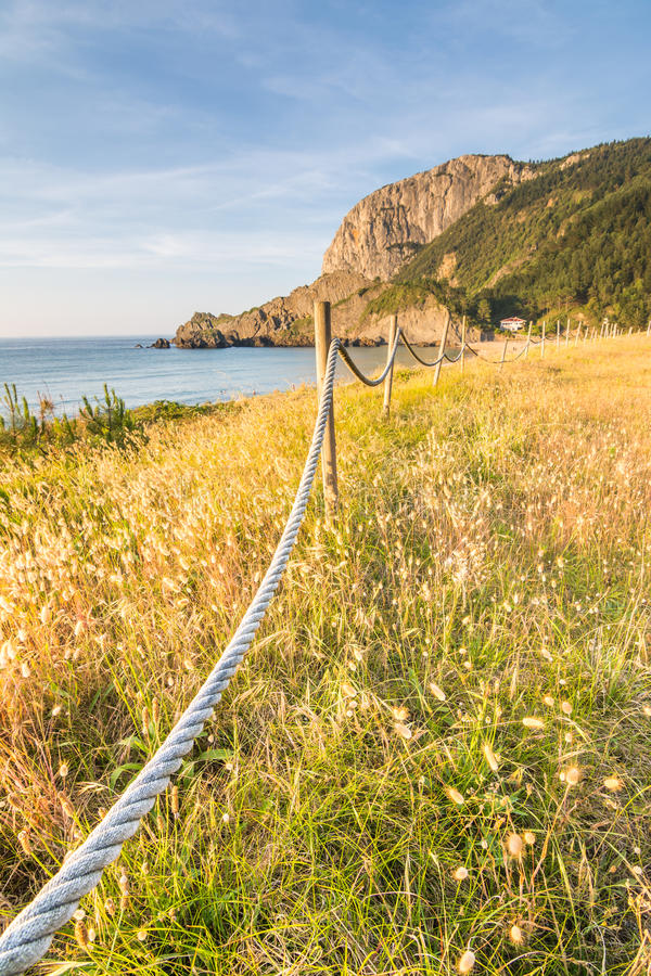 Spiaggia di Laga a paese basco immagini stock