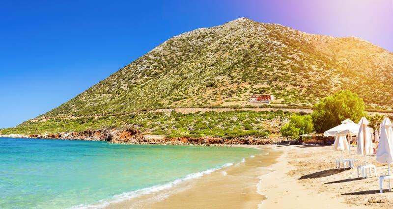 Spiaggia Di Livadi Nella Baia Del Mare Del Villaggio Bali, Creta ...