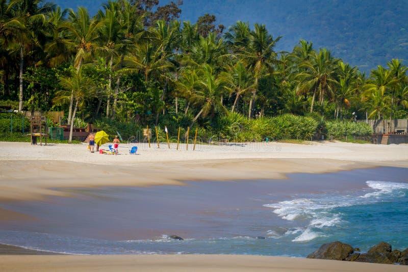 Spiaggia di Maresias nella riva del nord dello stato di Sao Paulo nel Brasile, Sudamerica immagine stock
