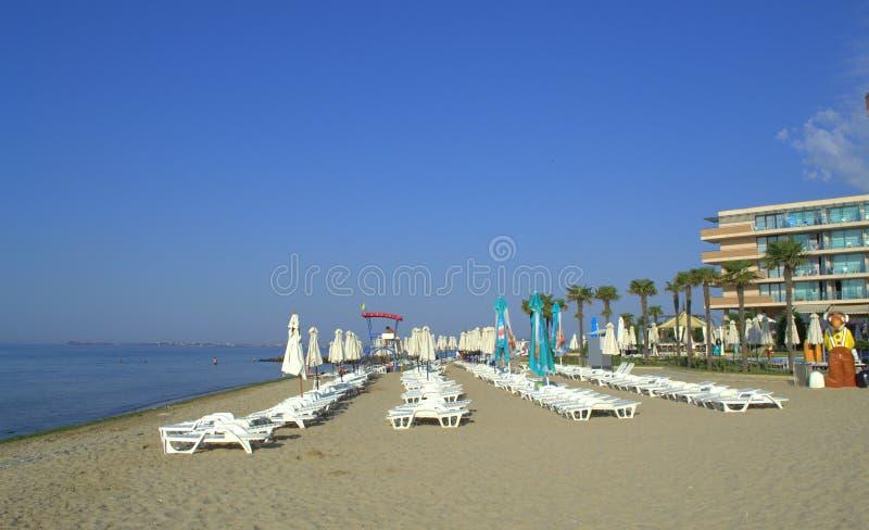 Spiaggia di mattina della stazione turistica estiva, Elenite Bulgaria immagini stock libere da diritti