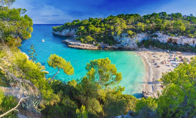 Spiaggia di Mazing su Cala Llombards, isola di Maiorca, Spagna fotografia stock libera da diritti