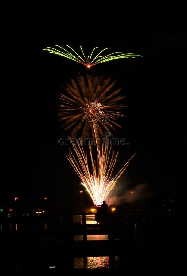 Spiaggia di Panama City di celebrazione di vigilia dei nuovi anni dei fuochi d'artificio fotografie stock