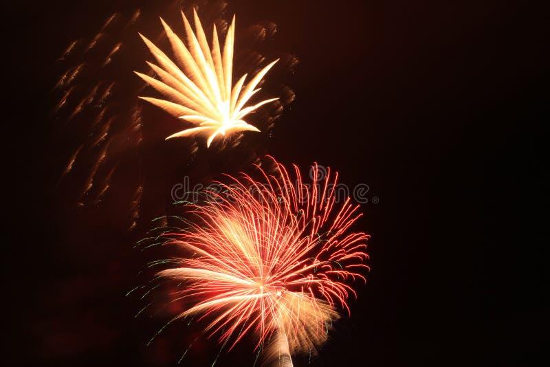 Spiaggia di Panama City di celebrazione di vigilia dei nuovi anni dei fuochi d'artificio fotografia stock