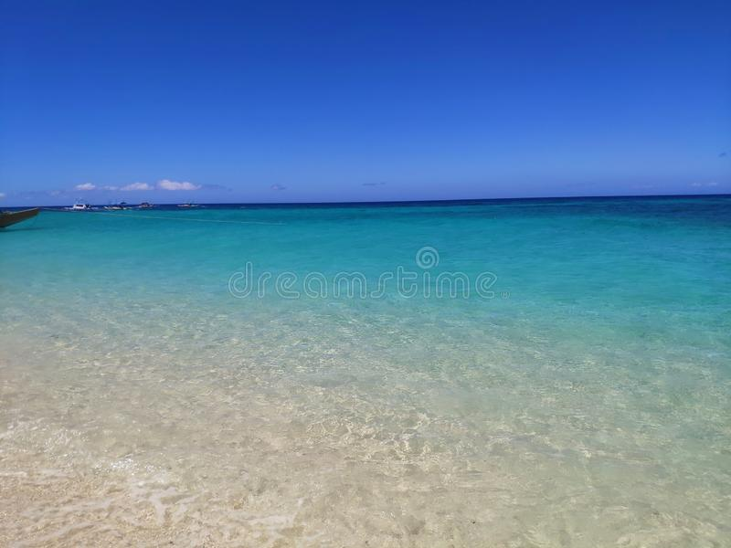 Spiaggia di Paradise dell'acqua della radura di Boracay, Filippine immagini stock
