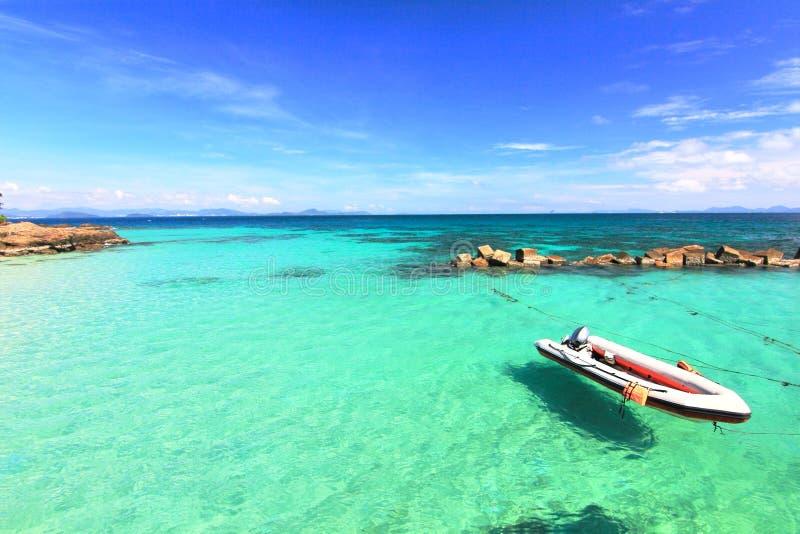 Spiaggia di paradiso nell'isola del maiton del KOH, phuket, Tailandia immagine stock libera da diritti