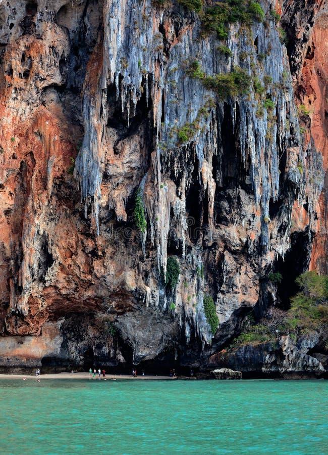 Spiaggia di Phra Nang, principessa Cave, formazioni del calcare immagine stock libera da diritti