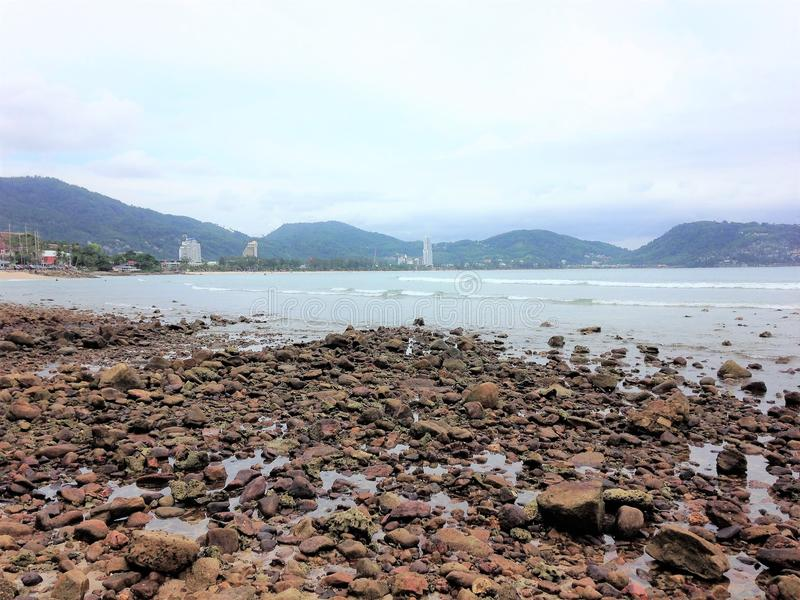 Spiaggia di pietra a phuket, Tailandia immagini stock libere da diritti