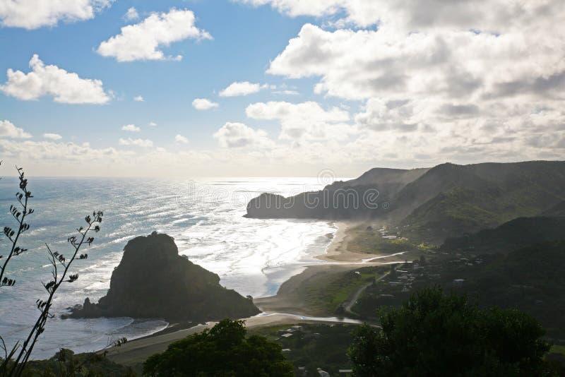 Spiaggia di Piha, Nuova Zelanda fotografia stock