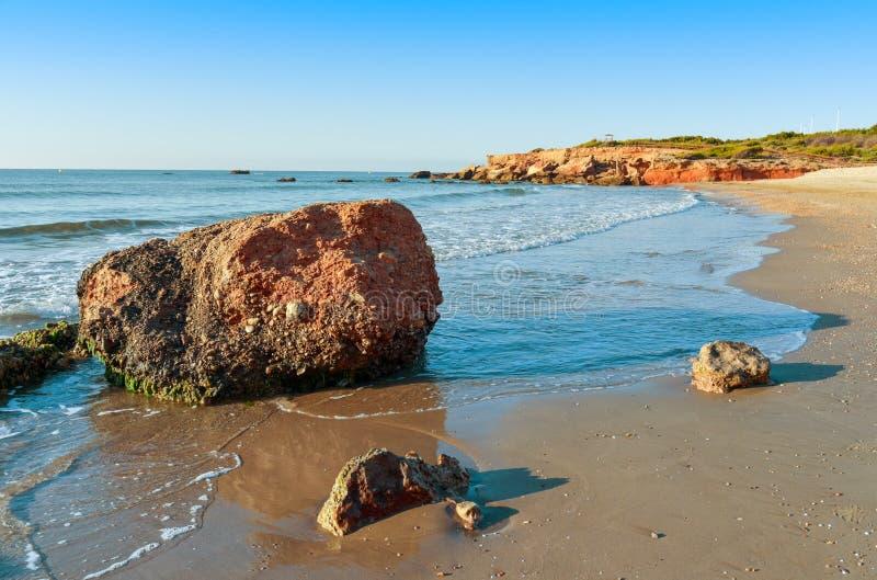 Spiaggia di Playa del Moro in Alcossebre, Spagna immagini stock libere da diritti