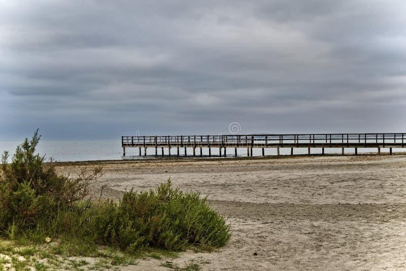 Spiaggia di pomeriggio fotografia stock libera da diritti