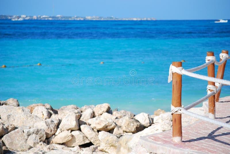 Spiaggia di rilassamento nei Caraibi fotografia stock libera da diritti