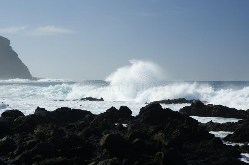 Spiaggia di Rocky Costadel Buenavista, Tenerife, canarino, Spagna fotografia stock libera da diritti