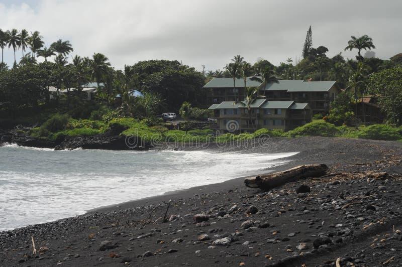 Spiaggia di sabbia del nero di Waikoloa, Hana Hawaii fotografia stock