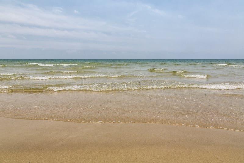 Spiaggia di sabbia vergine immagine stock