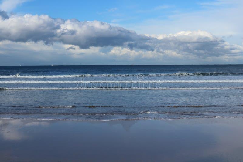 Spiaggia di San Lorenzo, Gijin, Spagna immagine stock libera da diritti