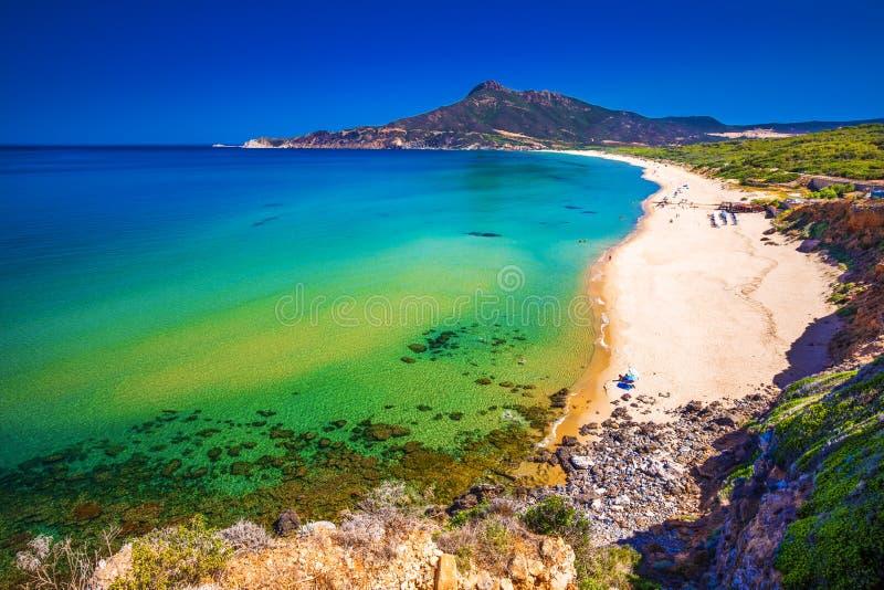 Spiaggia di San Nicolo y Spiaggia di Portixeddu varan en la ciudad de San Nicolo, Costa Verde, Cerdeña, Italia imagen de archivo libre de regalías