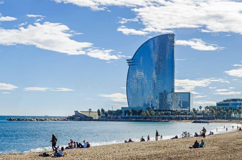 Spiaggia di Sant Miquel e W Barcellona, i veli dell'hotel fotografia stock libera da diritti