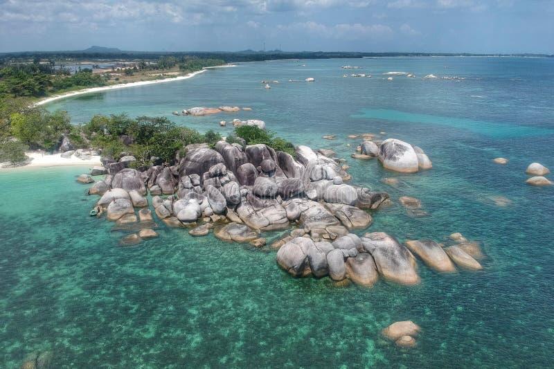 Spiaggia di Tanjung Tinggi in Belitung fotografia stock libera da diritti