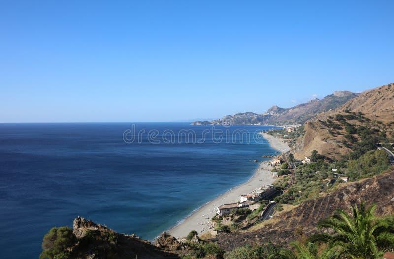 Spiaggia di Taormina immagini stock libere da diritti