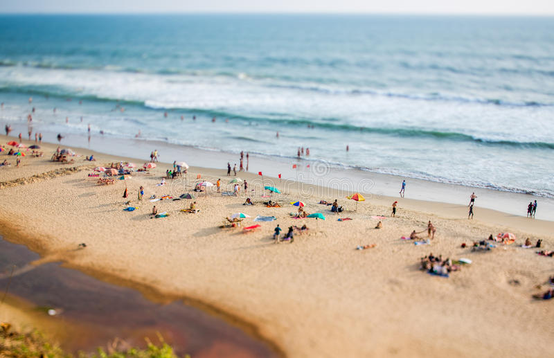 Spiaggia di Timelapse sull'Oceano Indiano L'India (obiettivo decentrabile di inclinazione) fotografia stock