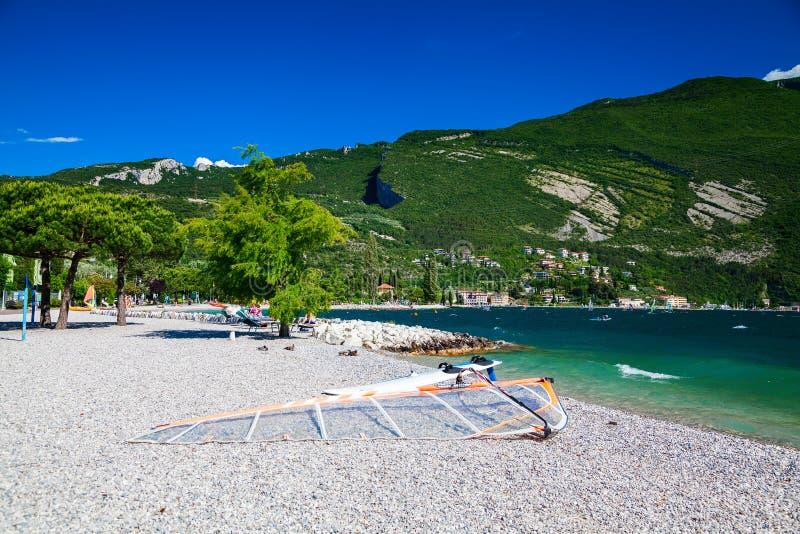 Spiaggia di Torbole immagine stock libera da diritti