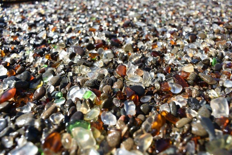 Spiaggia di vetro a Fort Bragg fotografia stock