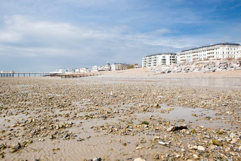Spiaggia di Worthing, West Sussex, Regno Unito fotografia stock
