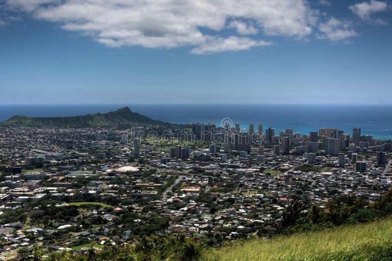 Spiaggia, Diamond Head e Honolulu di Waikiki fotografie stock libere da diritti