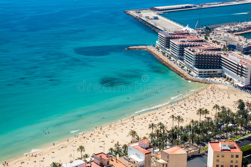 Spiaggia e costa di Alicante immagini stock
