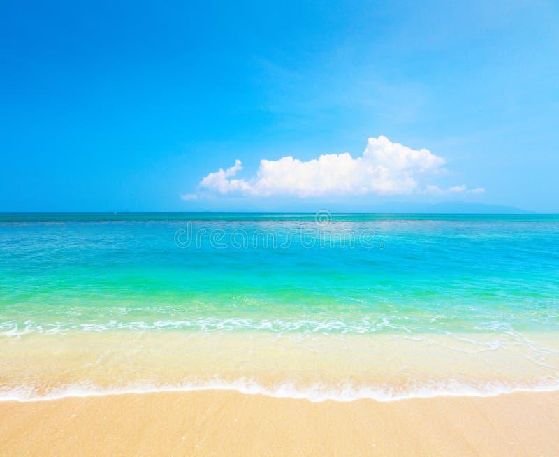 Spiaggia e mare tropicale. KOH Samui, Tailandia immagine stock