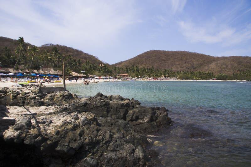 Spiaggia e rocce di Los Gatos immagini stock