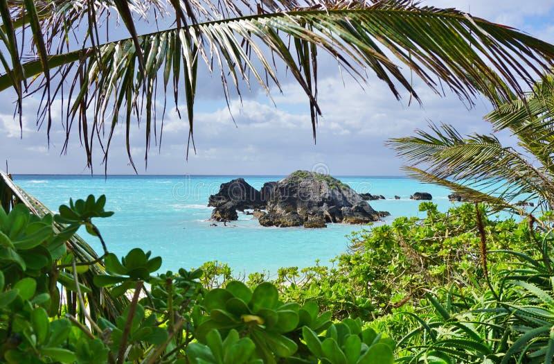 Spiaggia a ferro di cavallo della baia in Bermude fotografie stock libere da diritti