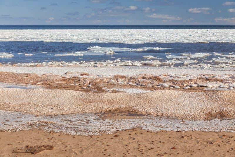 Spiaggia ghiacciata immagini stock libere da diritti