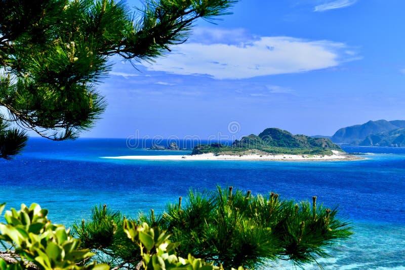 Spiaggia Giappone dell'isola di Okinawa fotografie stock
