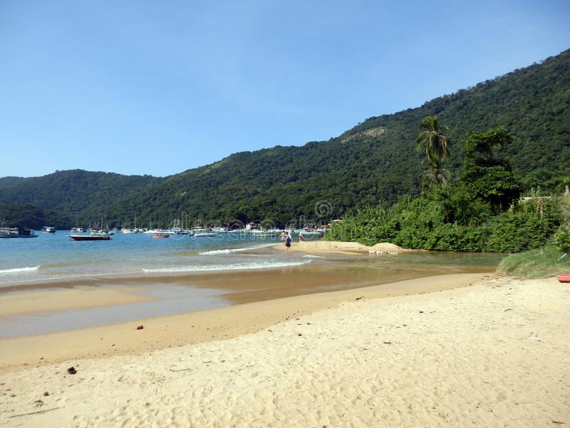 Spiaggia grande di Ilha in Rio de Janeiro State fotografie stock libere da diritti