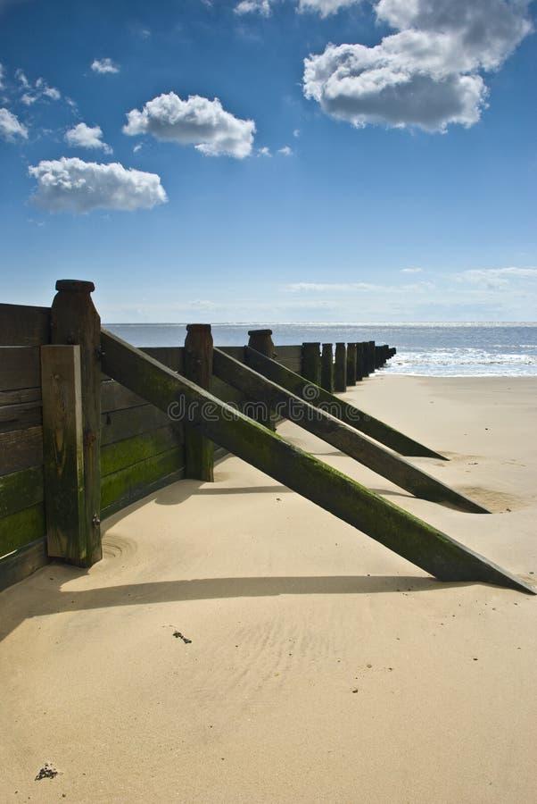Spiaggia Groyne di Frinton immagine stock libera da diritti