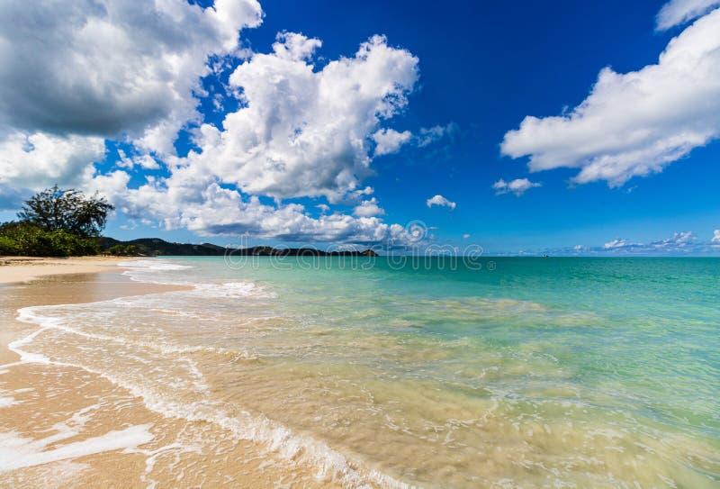 Spiaggia idilliaca in St John, Antigua e Barbuda, un paese situato nelle Antille nel mar dei Caraibi fotografie stock libere da diritti