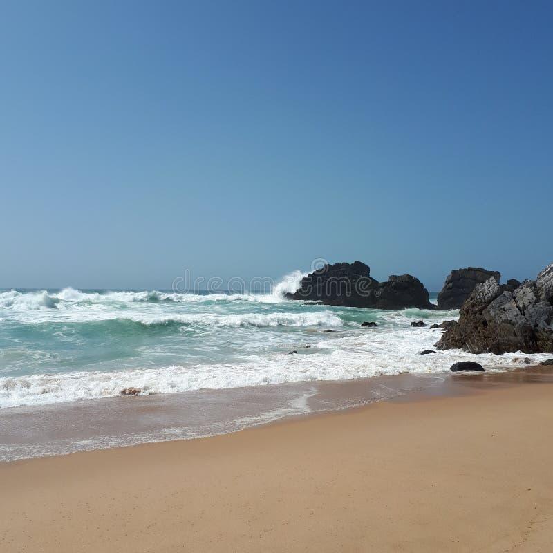 Spiaggia, il Portogallo & x28 di Adraga; Praia da Adraga& x29; immagini stock