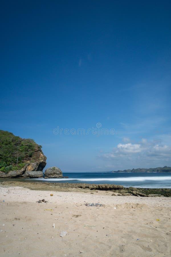 Spiaggia Malang Indonesia di Batu Bengkung immagini stock libere da diritti
