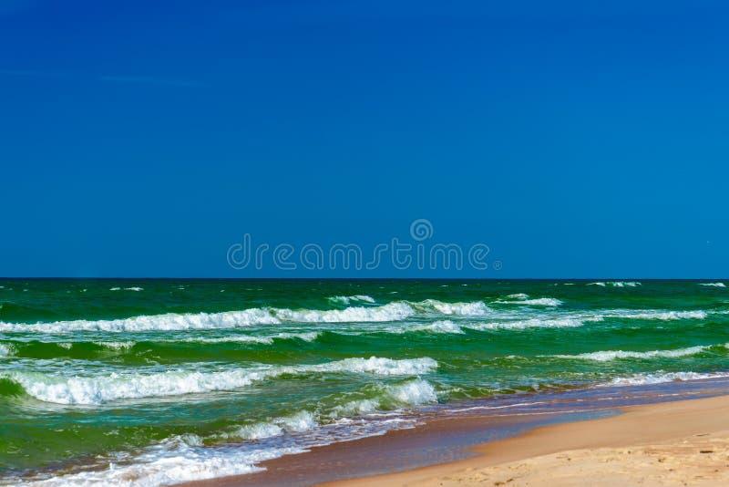 Spiaggia, mare, paesaggio Nida, Lituania immagini stock libere da diritti