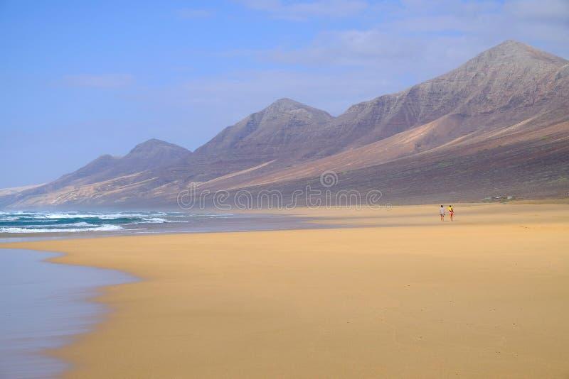 Spiaggia meravigliosa Cofete sull'Isole Canarie Fuerteventura con la a fotografia stock libera da diritti