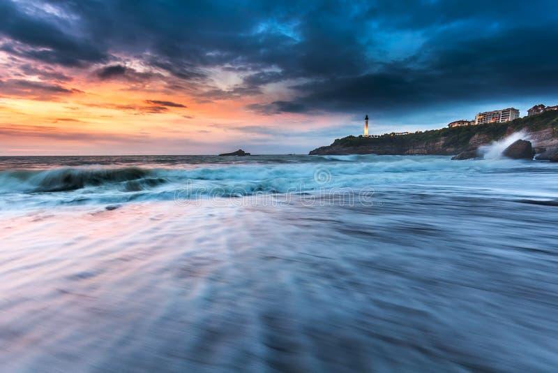 Spiaggia Miramar di Wave Biarritz fotografia stock
