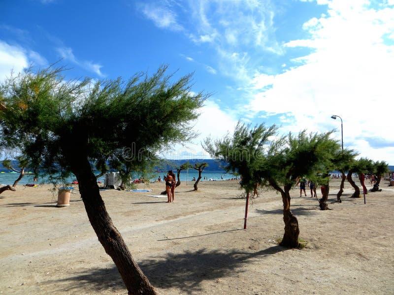 Spiaggia in omis Croazia immagine stock libera da diritti
