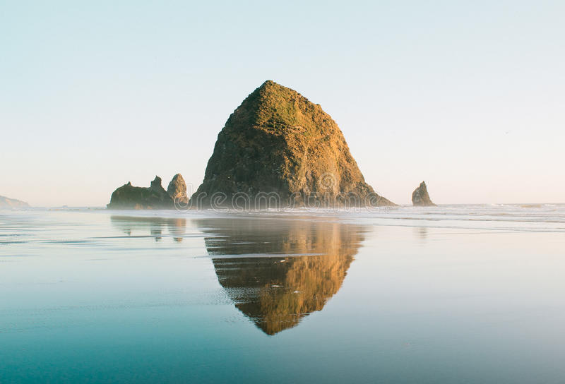 Spiaggia Oregon del cannone immagine stock