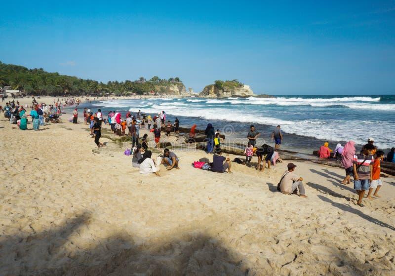 Spiaggia Pacitan Java Indonesia orientale di Klayar fotografia stock