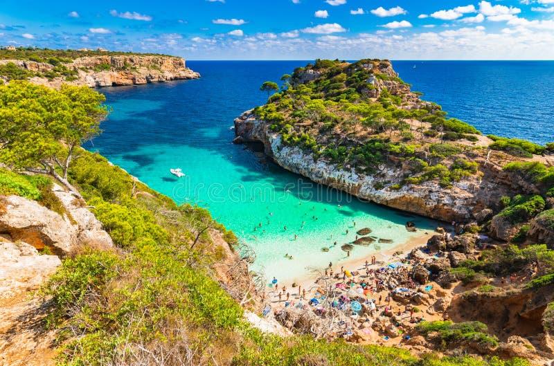 Spiaggia pittoresca Maiorca Spagna del DES Moro di Cala della baia fotografie stock